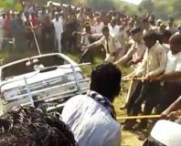 शाजापुर में स्कूली वैन खुले कुएं में गिरी, चार बच्चों की मौत
