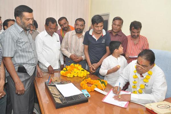 khandwa news hukumchand yadav