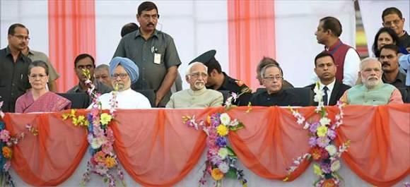 To break GST deadlock, PM Modi invites Sonia Gandhi, Manmohan for a 'chai pe charcha'