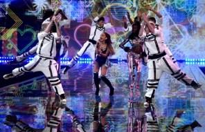 victorias-secret-fashion-show-2014-3