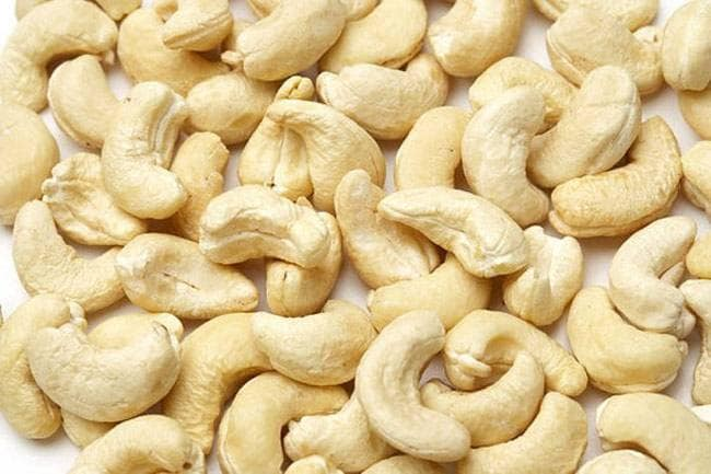 You will be shocked to know the benefits of consuming these 2 cashew nuts  काजू