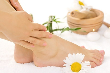 Beauty-Tips-Relax-tired-feet-throughout-the-day-in-such-a-way-that-your-feet-look-beautiful-4