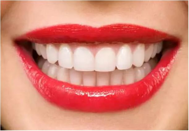 Looking-at-the-teeth-you-also-know-about-other-health-problems-that-are-taking-place-in-the-body.