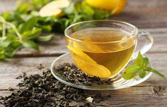Green-tea-toner-will-have-a-magical-effect-on-oily-skin