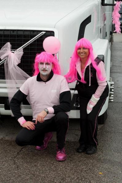 2011 convoy pink dressed participants