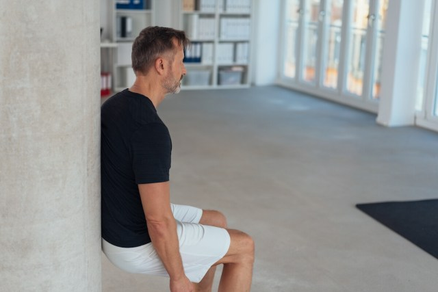 wall sit is a best way to improve lower back pain