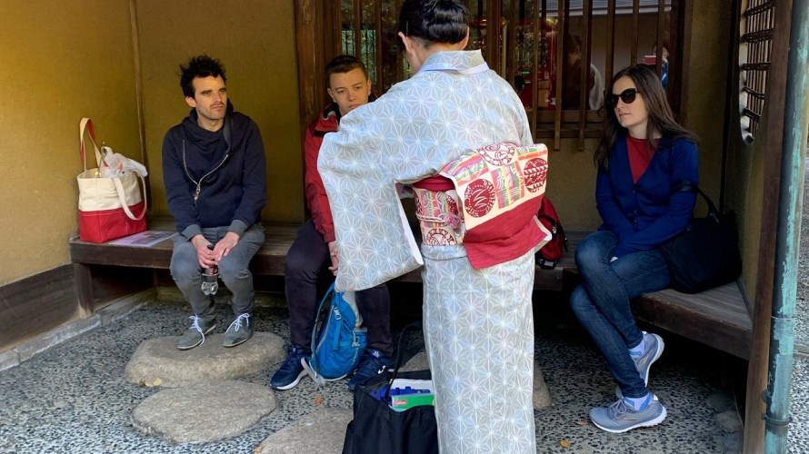 Shinto ceremony, colorful leafs, Imperial Palace and East Garden is dramatically changing day by day!! Nov.20, weekday tour