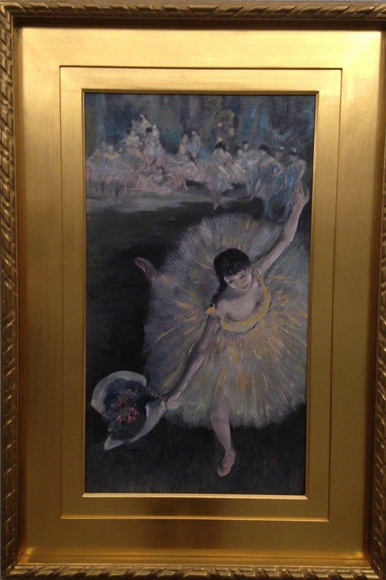 花束を持つ踊り子 エドガー・ドガ