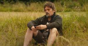 Ethan Hawek as Tucker Crowe in Juliet, Naked