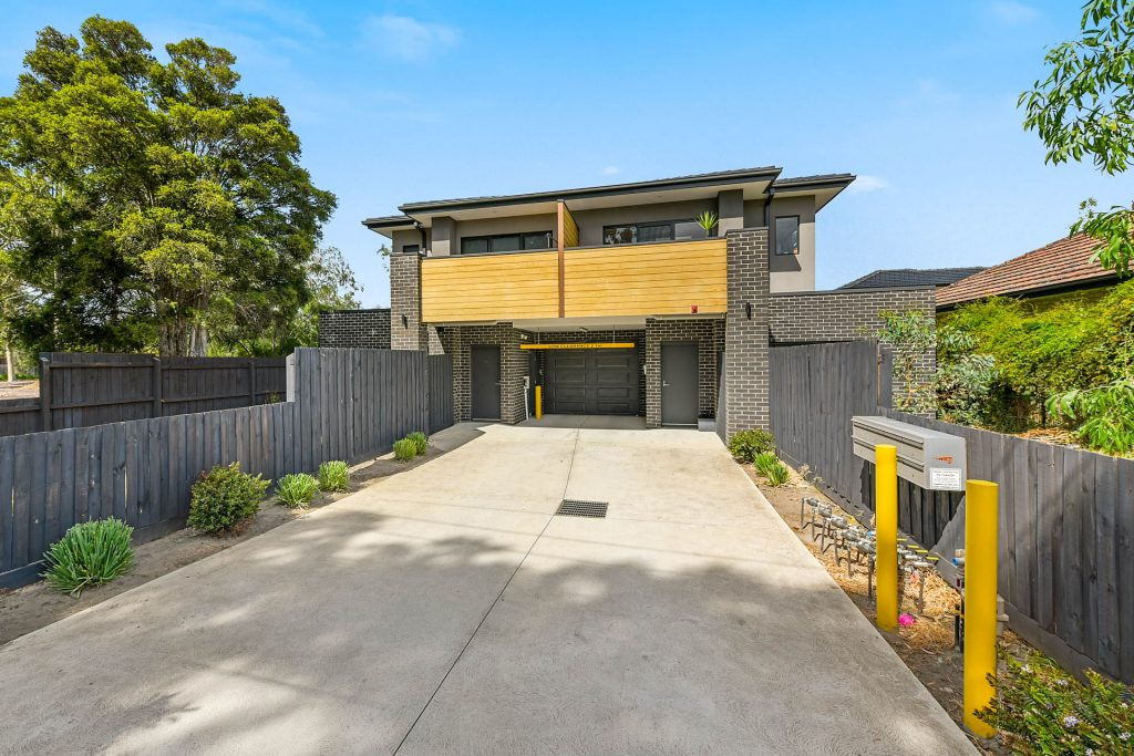13 Minutes Walk to Monash University - 1 of 6 Boutique Apartments - TG Newton & Co. Real Estate – Jenman Approved Agents