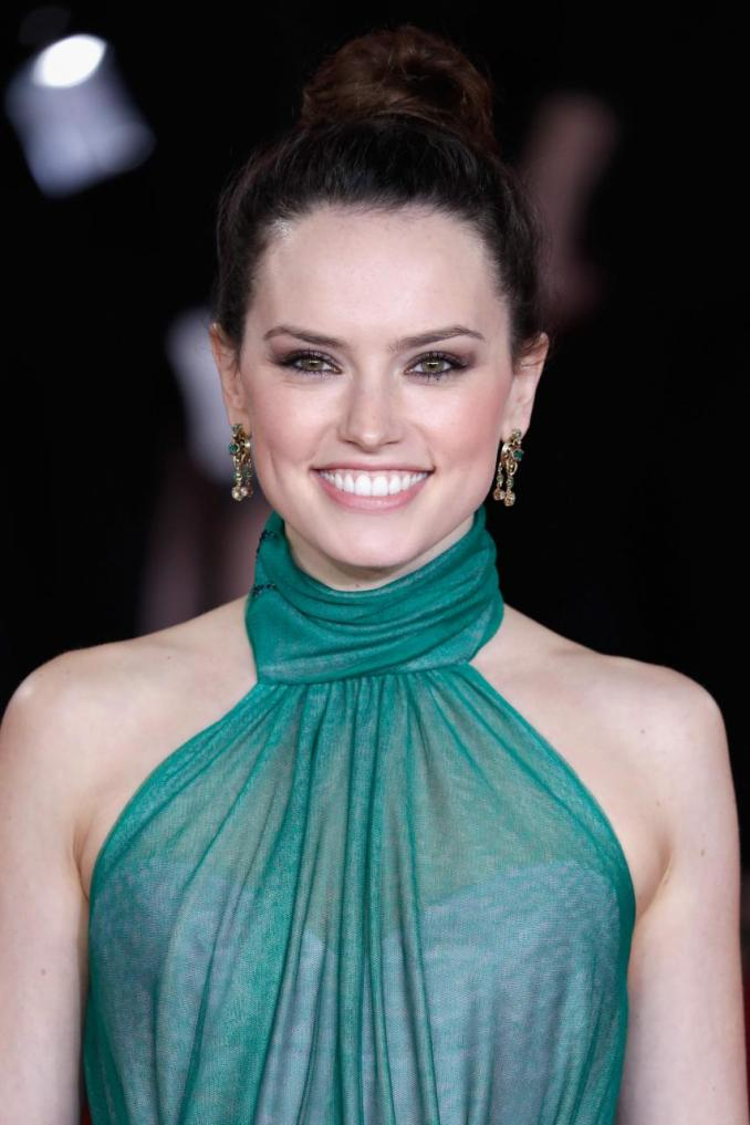 5 Fast Facts: Tom Bateman, Daisy Ridley's Rumored Fiancé