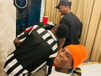 wizkid-spotted-with-bella-shmurda-in-ghana-tgtrends_com_ng
