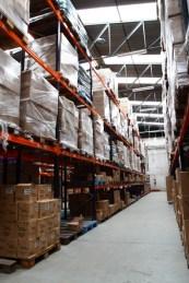 Foto area armazenamento Auguri Distribuidora.