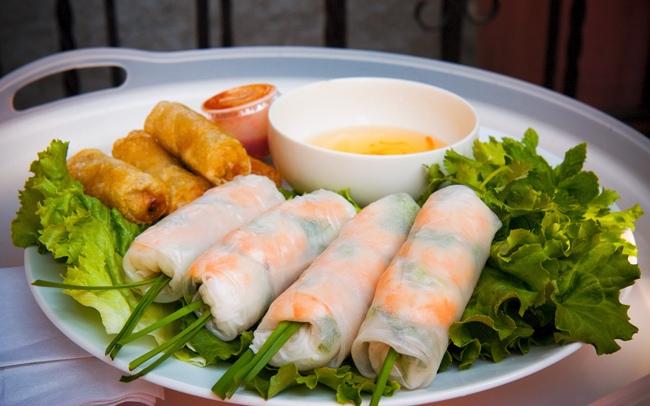 15 อาหารเวียดนามที่ต้องลอง ก๋อยก้วน (Goi cuon) หรือปอเปี๊ยะสด