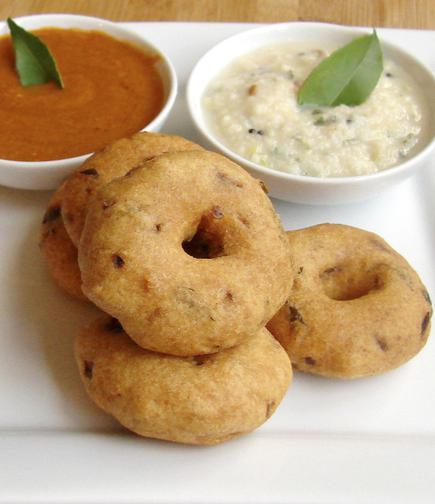Soft, crisp vadas! - The Hindu
