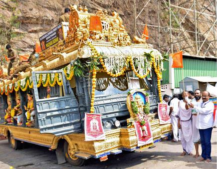Durga temple on wheels' hits the road - The Hindu