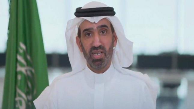 وزير الموارد البشرية يوضح آلية عودة الموظفين تدريجيًا..فيديو