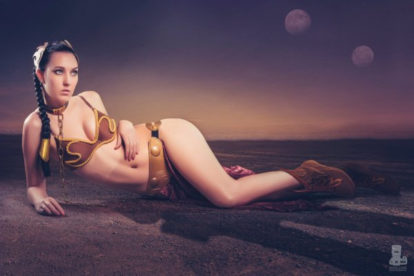 female-cosplay-by-jj-fox-princess-leia