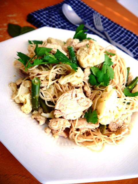Easy Green Curry Chicken Spaghetti-Thai-Foodie