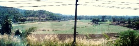 Sicht aus dem Bus auf der Fahrt von Chiang Mai nach Chiang Rai, Thailand