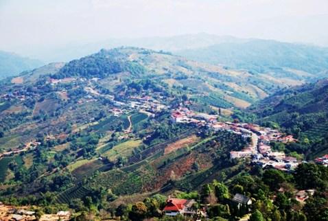 Überblick über Doi Mae Salong, Thailand, und Umland, dem Zentrum von Thai-Tee