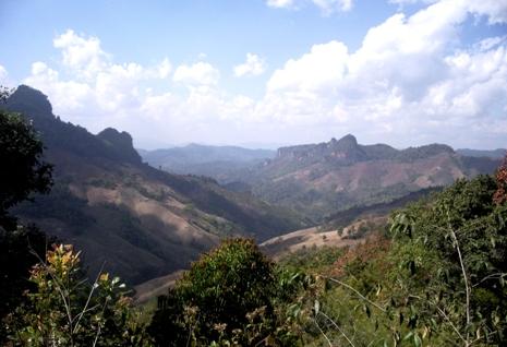 Bergpanorama bei Pang Kham