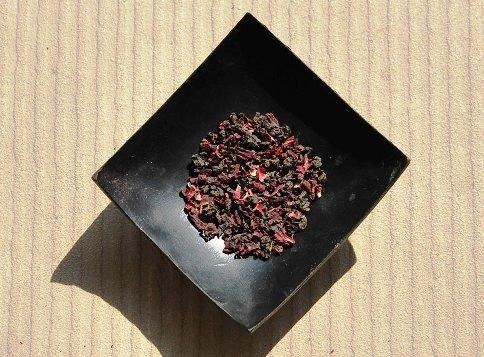 Schwarzer Tee / Hibiskusblüten Tee-Mischung, Close-u
