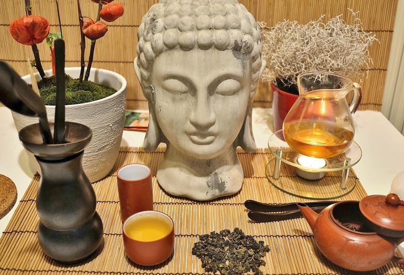 Rituelle Zubereitung von Four Seasons Oolong Tee