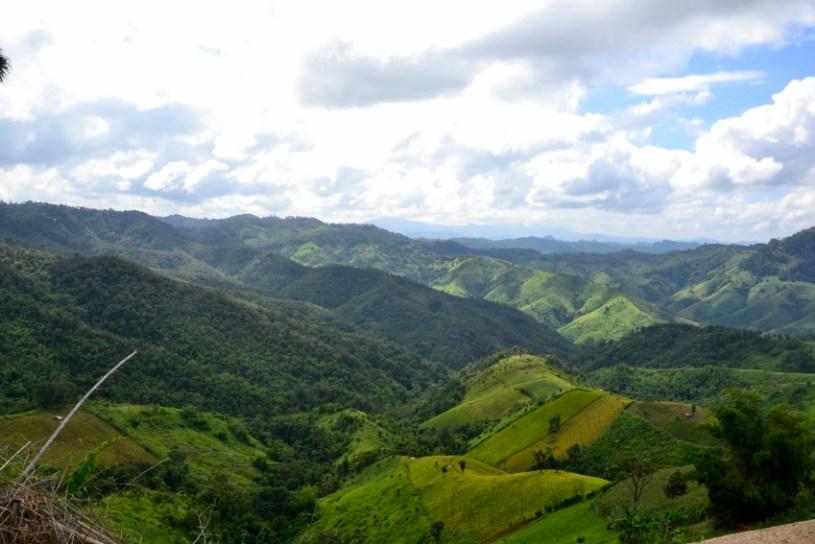 Pnaramablick auf die Bergregion im Grenzgebiet Nordthailand-Burma
