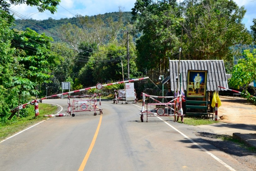 Straßensperre auf dem Weg nach Pang Kham - Der Weg zum ShanTee ist mit Hürden gepflastert