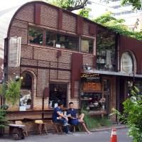 尋訪駅前古著咖啡店-UN FASHION CAFE