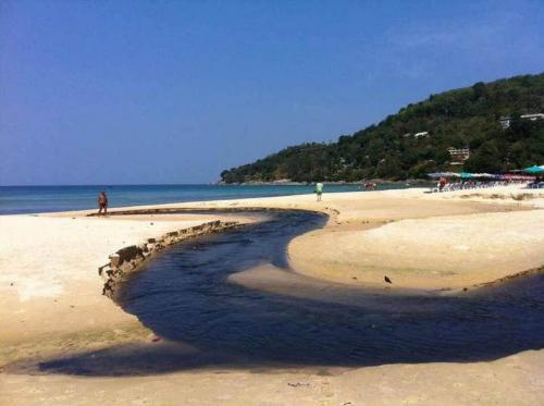 1. Karon beach black water and sand (2)