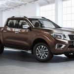 Nissan-NP300-Navara-12th-gen-Double-Cab-front-side-view-posing