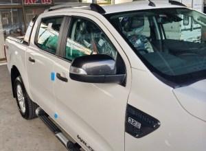 2014-Ford-Ranger-Wildtrak-white-side-mirror