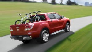 2016-Mazda-BT-50-PRO-red-rear