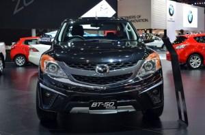 2016-Mazda-BT-50-show-front