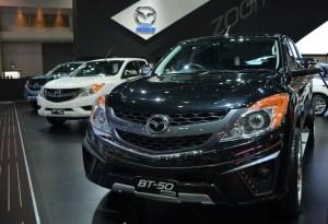 2016-Mazda-BT-50-show-front2