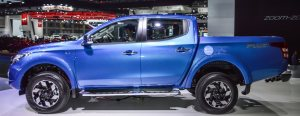 2016-Mitsubishi-Triton-Limited-Edition-side