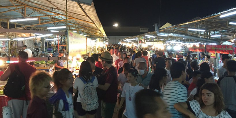 Thepprasit night market food court