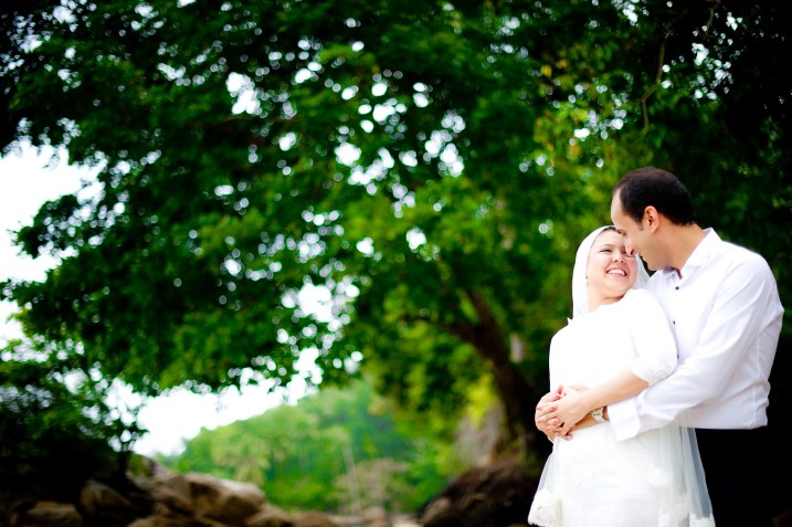 Yasmine and Mohamed's Beach pre-wedding (prenuptial, engagement session) in Phuket, Thailand. Beach_Phuket_wedding_photographer_Yasmine and Mohamed_01.JPG