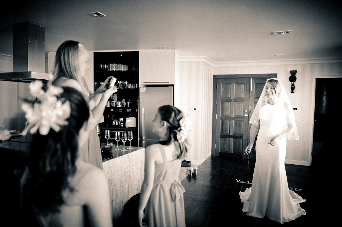 Photo of the Day: Getting ready for a wedding