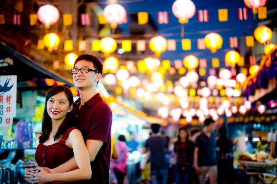Yuchen and Wenquan's China Town pre-wedding (prenuptial, engagement session) in Bangkok , Thailand. China Town_Bangkok _wedding_photographer_Yuchen and Wenquan_0369.TIF