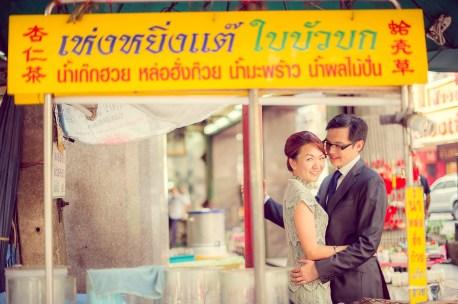 Loh and Jason's China Town pre-wedding (prenuptial, engagement session) in Bangkok, Thailand. China Town_Bangkok_wedding_photographer_Loh and Jason_1810.TIF