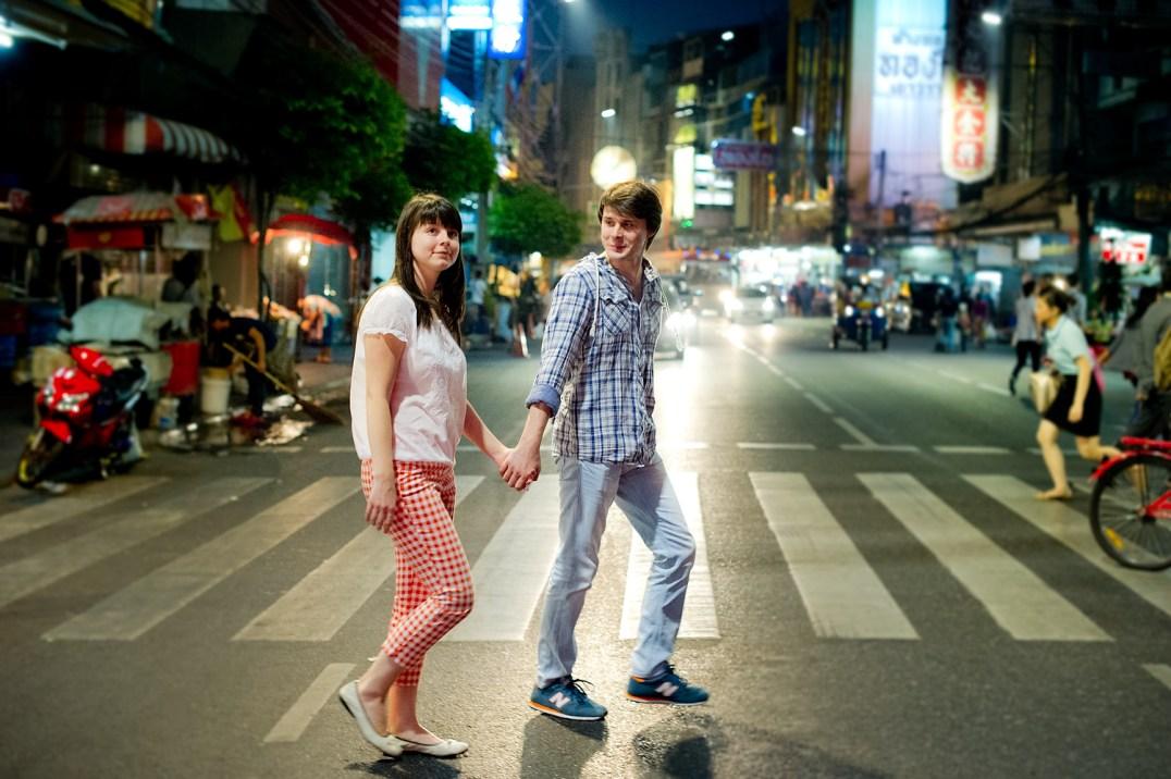 Tatiana and Alex's China Town pre-wedding (prenuptial, engagement session) in Bangkok, Thailand. China Town_Bangkok_wedding_photographer__1368.TIF