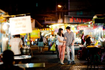 Tatiana and Alex's China Town pre-wedding (prenuptial, engagement session) in Bangkok, Thailand. China Town_Bangkok_wedding_photographer__1372.TIF