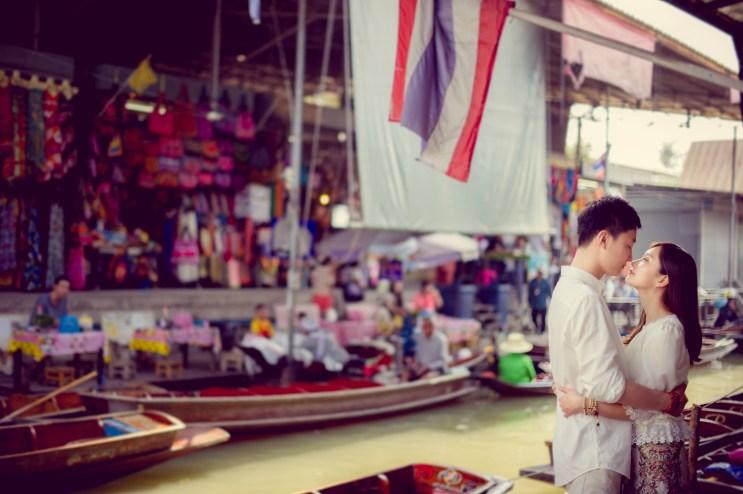 Yuchen and Wenquan's Damnoen Saduak Floating Market pre-wedding (prenuptial, engagement session) in Ratchaburi , Thailand. Damnoen Saduak Floating Market_Ratchaburi _wedding_photographer_Yuchen and Wenquan_0345.TIF