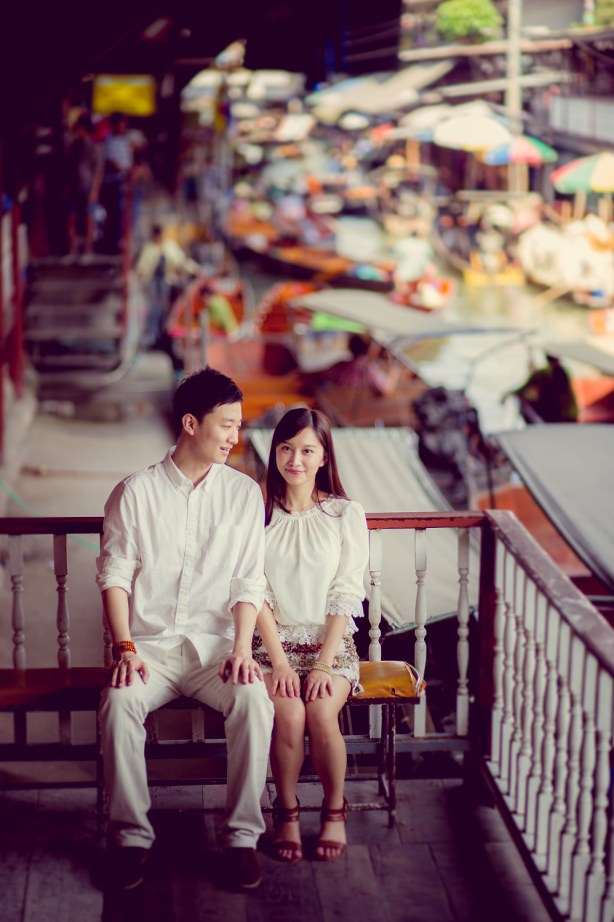Yuchen and Wenquan's Damnoen Saduak Floating Market pre-wedding (prenuptial, engagement session) in Ratchaburi , Thailand. Damnoen Saduak Floating Market_Ratchaburi _wedding_photographer_Yuchen and Wenquan_0354.TIF