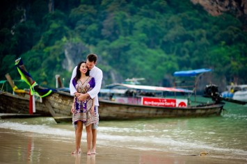 Tarinee and Dyson's Railay Beach pre-wedding (prenuptial, engagement session) in Krabi, Thailand. Railay Beach_Krabi_wedding_photographer_Tarinee and Dyson_1865.TIF