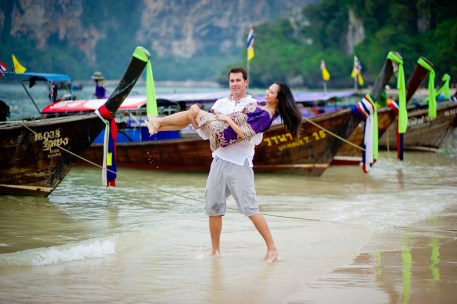 Tarinee and Dyson's Railay Beach pre-wedding (prenuptial, engagement session) in Krabi, Thailand. Railay Beach_Krabi_wedding_photographer_Tarinee and Dyson_1870.TIF
