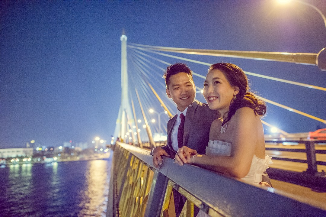 Pre-Wedding at Rama VIII Suspension Bridge in Bangkok Thailand | Bangkok Wedding Photography
